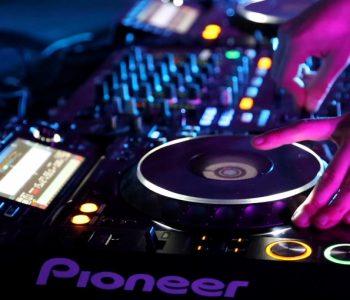 pioneer-dj-set-static-shot_v1mcbvae__F0000